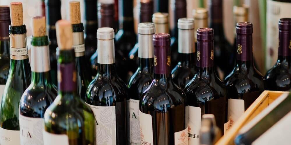 Hvor mange genstande er der i en flaske vin?